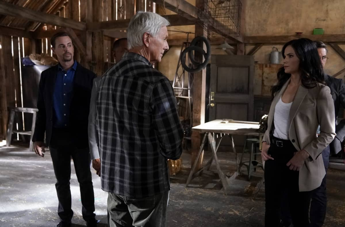 """NCIS Season 19 Episode 2 """"Nearly Departed"""" – While trying to find the serial killer Gibbs had been after, the NCIS team discover another person has been tracking the case as well, on NCIS, Monday, Sept. 27 (9:00-10:00 PM, ET/PT) on the CBS Television Network. Gary Cole joins the cast as FBI Special Agent Alden Parker. Pictured:  Sean Murray as NCIS Special Agent Timothy McGee, Mark Harmon as NCIS Special Agent Leroy Jethro Gibbs, Katrina Law as NCIS Special Agent Jessica Knight.  Photo: Cliff Lipson/CBS ©2021 CBS Broadcasting, Inc. All Rights Reserved."""