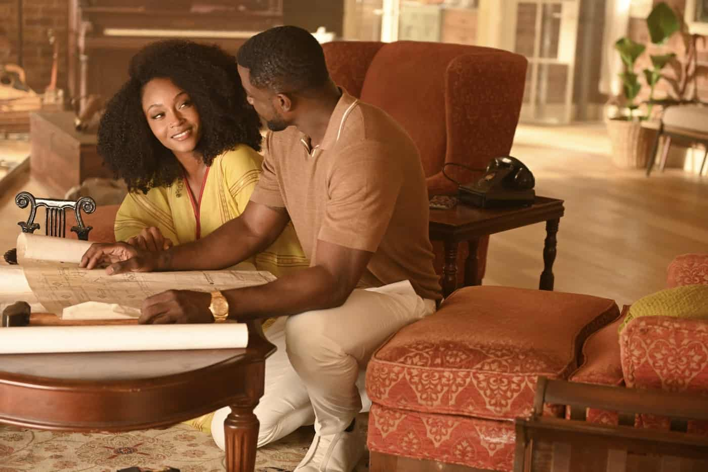 """OUR KIND OF PEOPLE Season 1 Episode 2: Yaya DaCosta and Lance Bass in the """"My Mother, Myself"""" episode of OUR KIND OF PEOPLE airing Tuesday, Sept. 28 (9:00-10:00 PM ET/PT) on FOX. ©2021 FOX MEDIA LLC. Cr: Brownie Harris/FOX."""