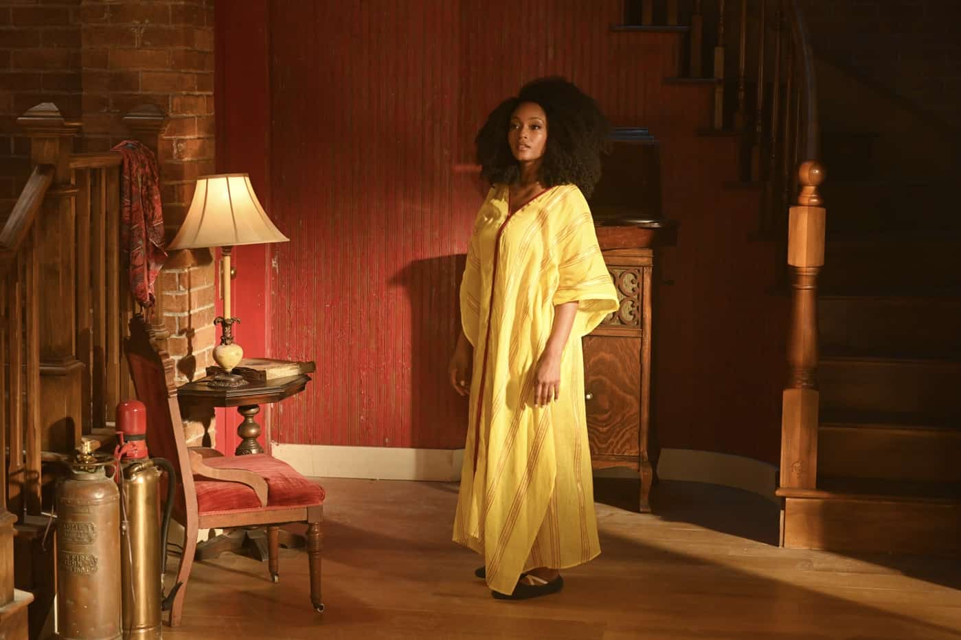 """OUR KIND OF PEOPLE Season 1 Episode 2: Yaya DaCosta in the """"My Mother, Myself"""" episode of OUR KIND OF PEOPLE airing Tuesday, Sept. 28 (9:00-10:00 PM ET/PT) on FOX. ©2021 FOX MEDIA LLC. Cr: Brownie Harris/FOX."""