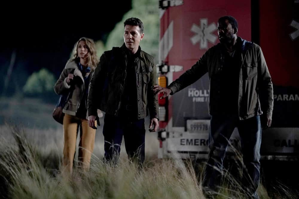 "LA BREA Season 1 Episode 1 -- ""Pilot"" -- Pictured: (l-r) Natalie Zea as Eve Harris, Jon Seda as Dr. Samuel Valez, Chiké Okonkwo as Ty Coleman -- (Photo by: Sarah Enticknap/NBC)"