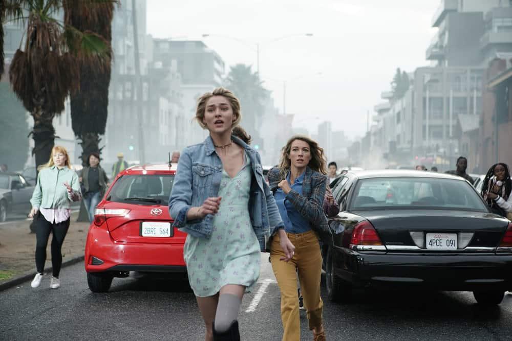 "LA BREA Season 1 Episode 1 -- ""Pilot"" -- Pictured: (l-r) Zyra Gorecki as Izzy Harris, Natalie Zea as Eve Harris -- (Photo by: Sarah Enticknap/NBC)"