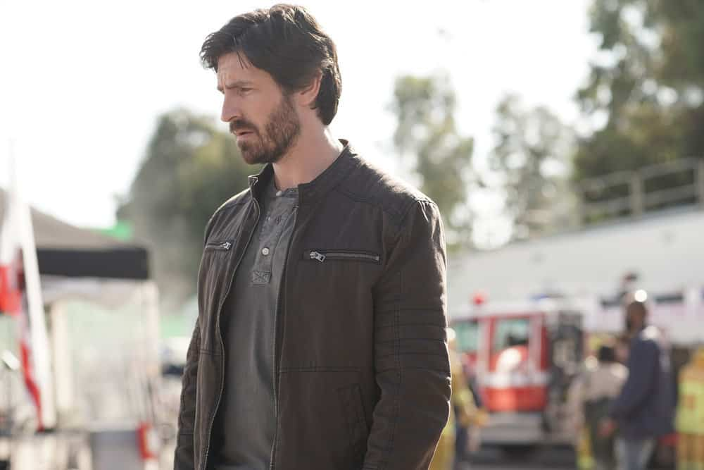 "LA BREA Season 1 Episode 1 -- ""Pilot"" -- Pictured: Eoin Macken as Gavin Harris -- (Photo by: Sarah Enticknap/NBC)"