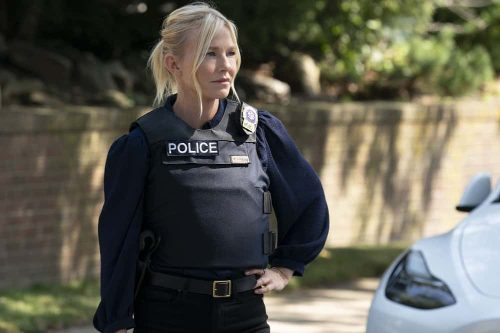 """LAW AND ORDER SVU Season 23 Episode 3 -- """"I Thought You Were on My Side"""" Episode 23002 -- Pictured: Kelli Giddish as Detective Amanda Rollins -- (Photo by: Virginia Sherwood/NBC)"""