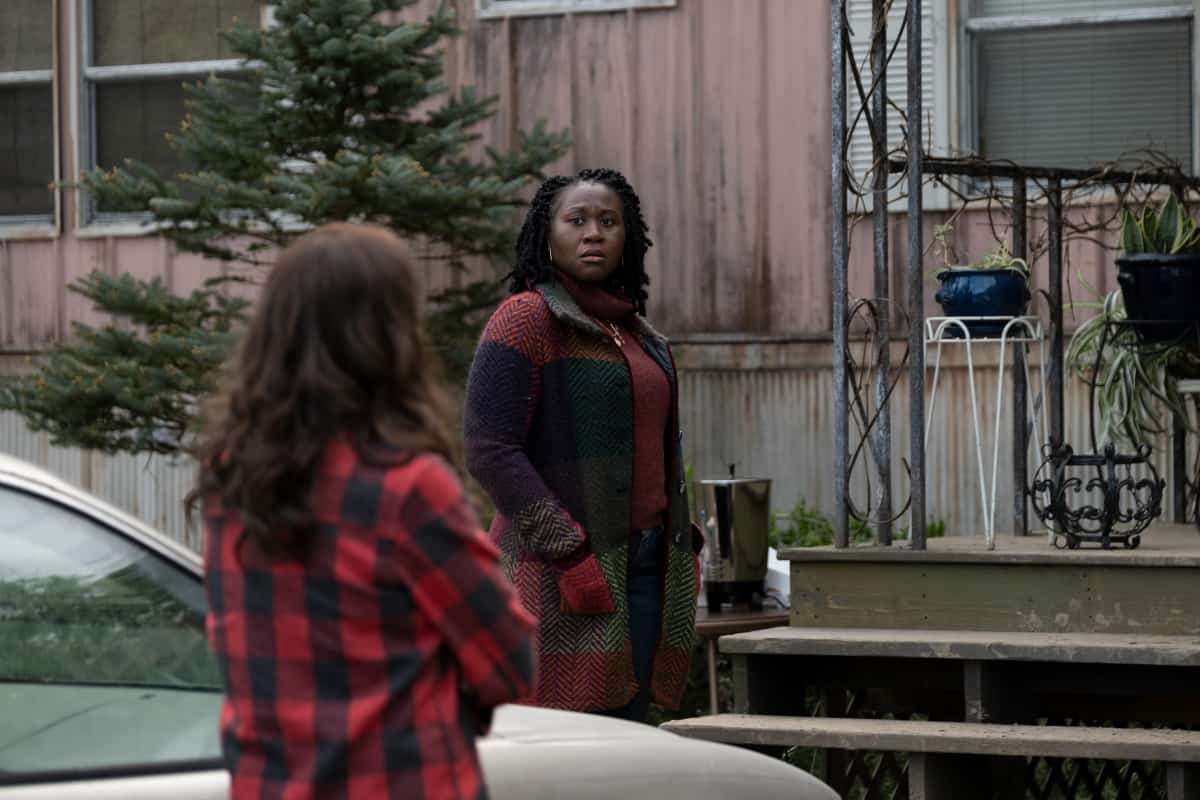 """AMERICAN RUST Season 1 Episode 4 (R): Zenzi Williams as Bethany in AMERICAN RUST, """"My Name is Billy"""". Photo credit: Dennis Mong/SHOWTIME."""
