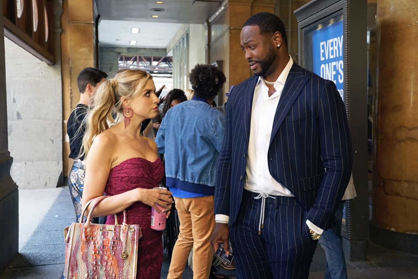 """THE BIG LEAP Season 1 Episode 3: L-R: Anna Grace Barlow and Ser'Darius Blain in the """"The White Swan Lives!"""" episode of THE BIG LEAP airing Monday, Oct. 4 (9:00-10:00PM ET/PT) on FOX. © 2021 FOX Media LLC. CR: Jean Whiteside/FOX."""
