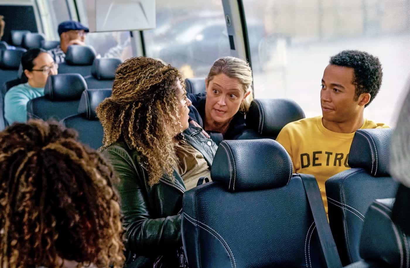 """THE BIG LEAP Season 1 Episode 3: L-R: Simone Recasner, Teri Polo and Raymond Cham Jr. in the """"The White Swan Lives!"""" episode of THE BIG LEAP airing Monday, Oct. 4 (9:00-10:00PM ET/PT) on FOX. © 2021 FOX Media LLC. CR: Jean Whiteside/FOX."""