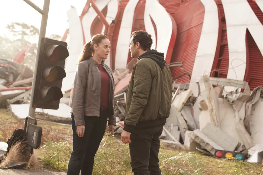 """LA BREA Season 1 Episode 2 -- """"Day Two"""" Episode 102 -- Pictured: (l-r) Karina Logue as Marybeth Hayes, Josh McKenzie as Lucas Hayes -- (Photo by: Sarah Enticknap/NBC)"""