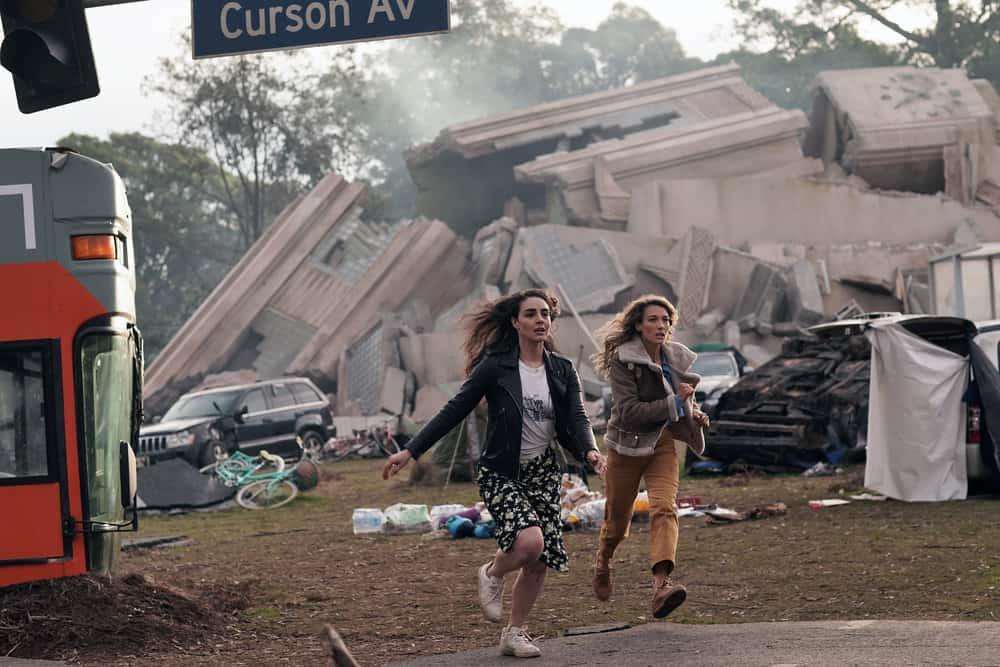 """LA BREA Season 1 Episode 2 -- """"Day Two"""" Episode 102 -- Pictured: (l-r) Veroncia St. Clair as Riley Valez, Natalie Zea as Eve Harris -- (Photo by: Sarah Enticknap/NBC)"""