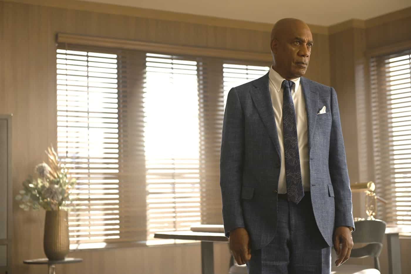 """OUR KIND OF PEOPLE Season 1 Episode 3:  Joe Morton in the """"Hot Links & Red Drinks"""" episode of OUR KIND OF PEOPLE airing Tuesday, Oct. 5 (9:00-10:00 PM ET/PT) on FOX. ©2021 FOX MEDIA LLC. Cr: Brownie Harris/FOX."""