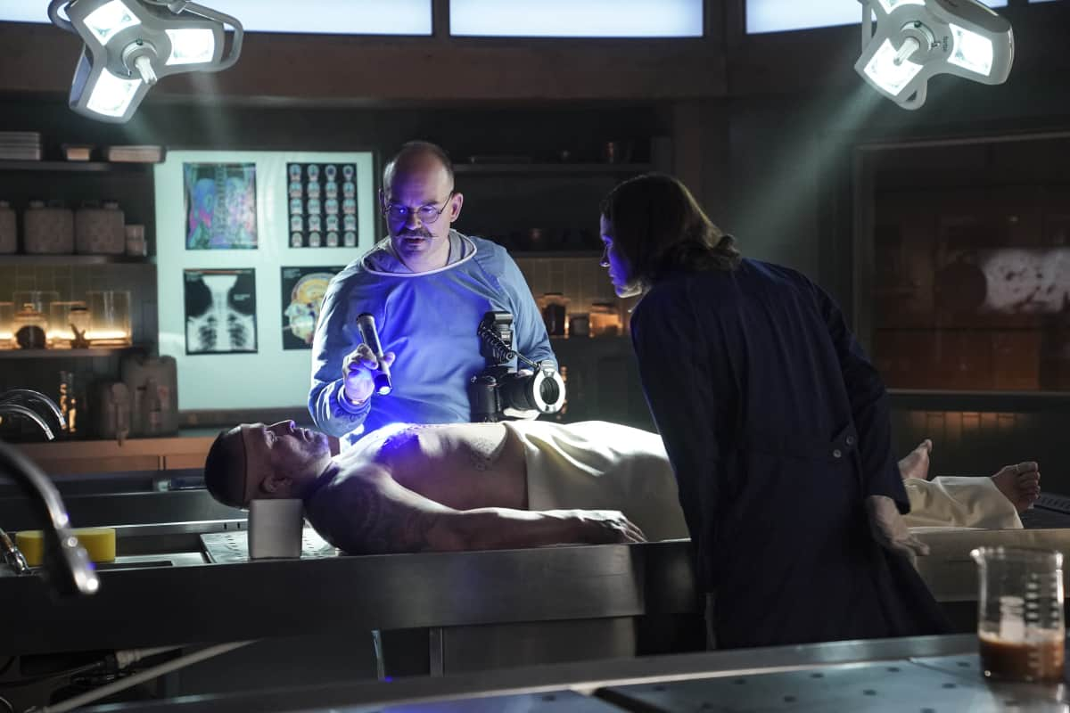 """CSI VEGAS Season 1 Episode 1 """"Legacy"""" -- An attack on Jim Brass kicks off a twisted conspiracy targeting the Las Vegas crime lab. Sara Sidle returns to investigate with a new team of CSIs on the series premiere of CSI: VEGAS, Wednesday, Oct. 6 (10:00-11:00 PM, ET/PT) on the CBS Television Network and available streaming on Paramount+. Pictured: Mel Rodriguez as Hugo Ramirez. Photo: Sonja Flemming/CBS ©2021 CBS Broadcasting, Inc. All Rights Reserved."""