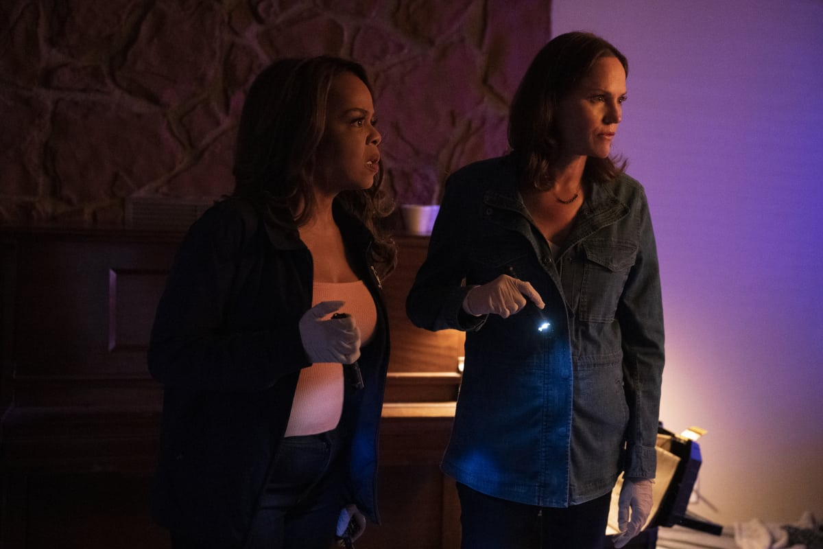 """CSI VEGAS Season 1 Episode 1 """"Legacy"""" -- An attack on Jim Brass kicks off a twisted conspiracy targeting the Las Vegas crime lab. Sara Sidle returns to investigate with a new team of CSIs on the series premiere of CSI: VEGAS, Wednesday, Oct. 6 (10:00-11:00 PM, ET/PT) on the CBS Television Network and available streaming on Paramount+. Pictured L-R: Paula Newsome as Maxine Roby and Jorja Fox as Sara Sidle. Photo: Sonja Flemming/CBS ©2021 CBS Broadcasting, Inc. All Rights Reserved."""