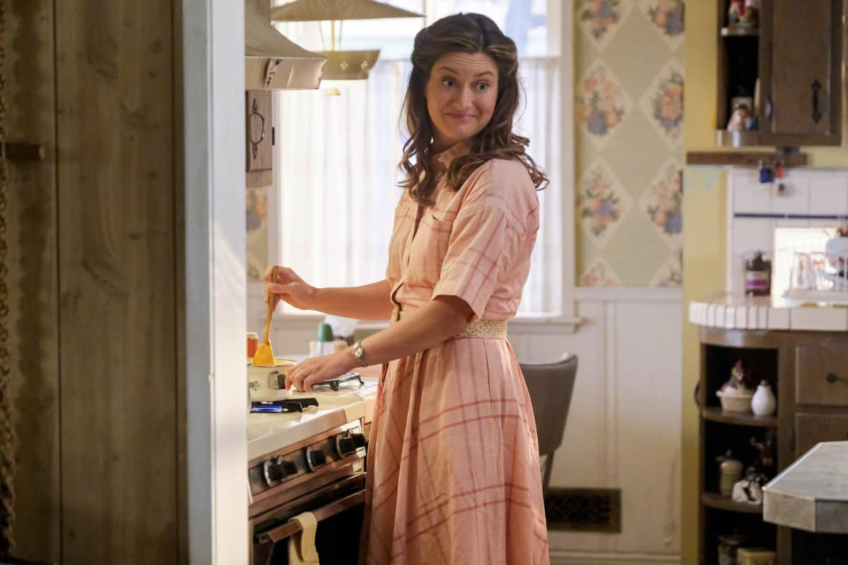"""YOUNG SHELDON Season 5 Episode 1 """"One Bad Night and Chaos of Selfish Desires"""" - Pictured: Mary (Zoe Perry). Sheldon and Missy both run away from home, and Mary gets upsetting news about George, Sr., on the fifth season premiere of YOUNG SHELDON, Thursday, Oct. 7 (8:00-8:31 PM, ET/PT) on the CBS Television Network and available to stream live and on demand on Paramount+.   Photo Credit: Darren Michaels ©2021 Warner Bros. Entertainment Inc. All Rights Reserved."""