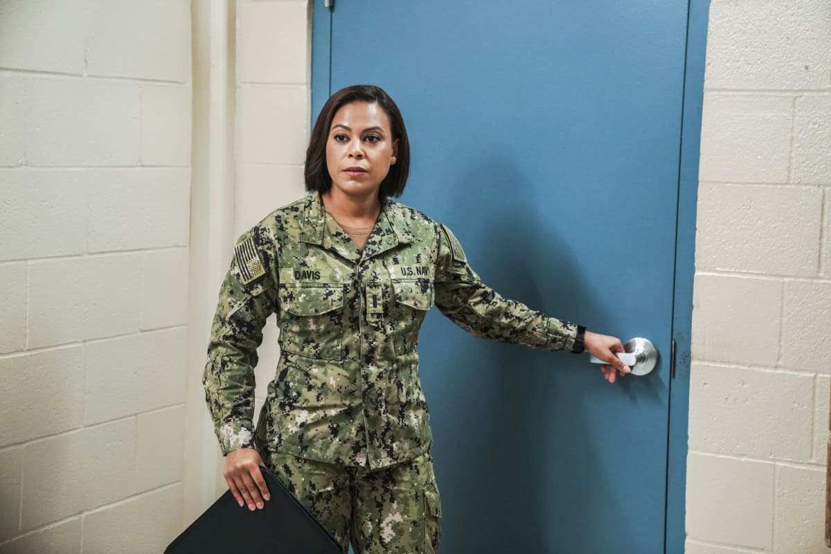 """SEAL TEAM Season 5 Episode 1 """"Trust, But Verify: Part 1"""" – Everyone on Bravo is shocked when they learn a training exercise is really cover for a covert mission to get a weapons expert out of one of the most dangerous countries in the world, on the fifth season premiere of SEAL TEAM, Sunday, Oct. 10 (10:00-11:00 PM, ET/PT) on the CBS Television Network, and available to stream live and on demand on Paramount+. Pictured: Toni Trucks as Lisa Davis. Photo: Ron P. Jaffe/CBS ©2021 CBS Broadcasting, Inc. All Rights Reserved."""