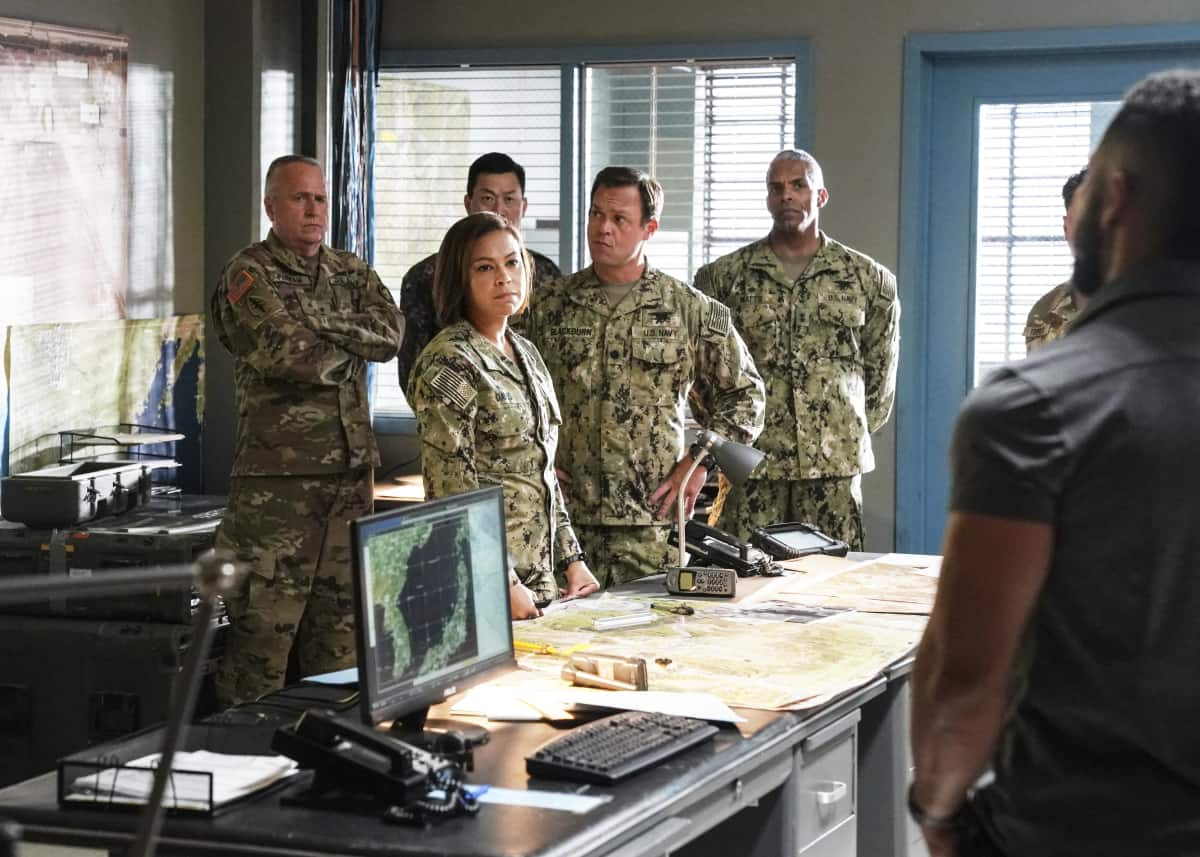 """SEAL TEAM Season 5 Episode 1 """"Trust, But Verify: Part 1"""" – Everyone on Bravo is shocked when they learn a training exercise is really cover for a covert mission to get a weapons expert out of one of the most dangerous countries in the world, on the fifth season premiere of SEAL TEAM, Sunday, Oct. 10 (10:00-11:00 PM, ET/PT) on the CBS Television Network, and available to stream live and on demand on Paramount+. Pictured L to R: Toni Trucks as Lisa Davis, and Judd Lormand as Lt. Cdr. Eric Blackburn. Photo: Ron P. Jaffe/CBS ©2021 CBS Broadcasting, Inc. All Rights Reserved."""