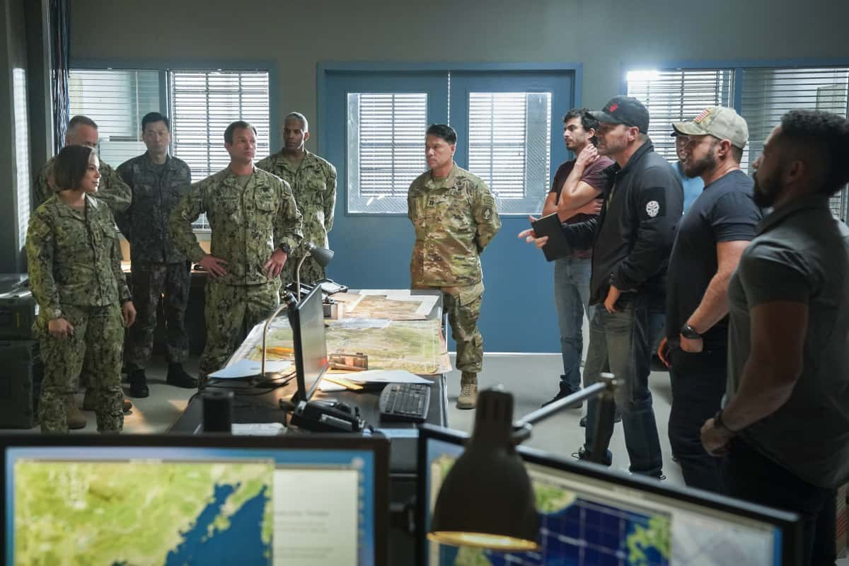 """SEAL TEAM Season 5 Episode 1 """"Trust, But Verify: Part 1"""" – Everyone on Bravo is shocked when they learn a training exercise is really cover for a covert mission to get a weapons expert out of one of the most dangerous countries in the world, on the fifth season premiere of SEAL TEAM, Sunday, Oct. 10 (10:00-11:00 PM, ET/PT) on the CBS Television Network, and available to stream live and on demand on Paramount+. Pictured L to R: Toni Trucks as Lisa Davis, Judd Lormand as Lt. Cdr. Eric Blackburn, Justin Melnick as Brock Reynolds, David Boreanaz as Jason Hayes, AJ Buckley as Sonny Quinn, Neil Brown Jr. as Ray Perry. Photo: Ron P. Jaffe/CBS ©2021 CBS Broadcasting, Inc. All Rights Reserved."""