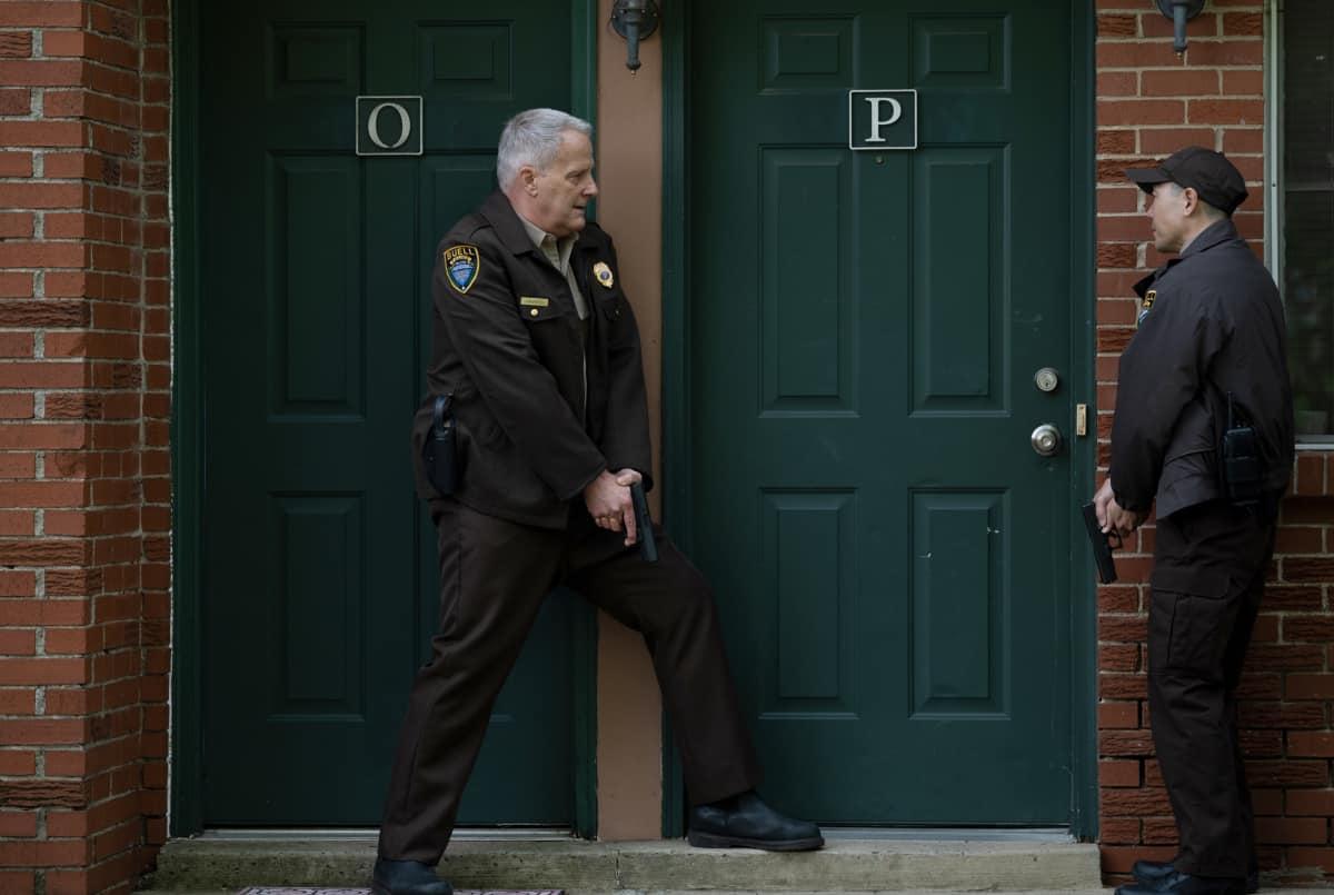 "AMERICAN RUST Season 1 Episode 5 (L-R): Jeff Daniels as Del Harris and Rob Yang as Steve Park in AMERICAN RUST, ""Jojo Ameri-Go"".  Photo credit: Dennis Mong/SHOWTIME."