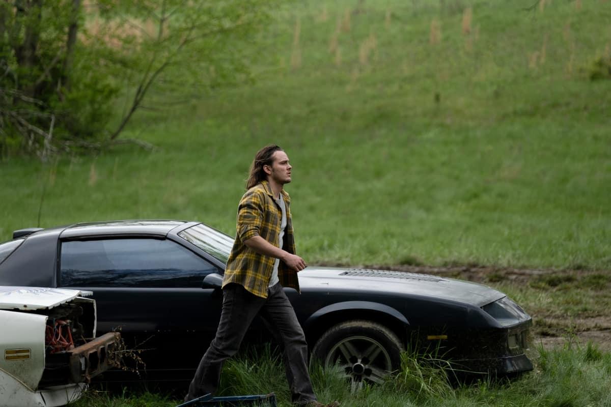 "AMERICAN RUST Season 1 Episode 5 Alex Neustaedter as Billy in AMERICAN RUST, ""Jojo Ameri-Go"".  Photo credit: Dennis Mong/SHOWTIME."