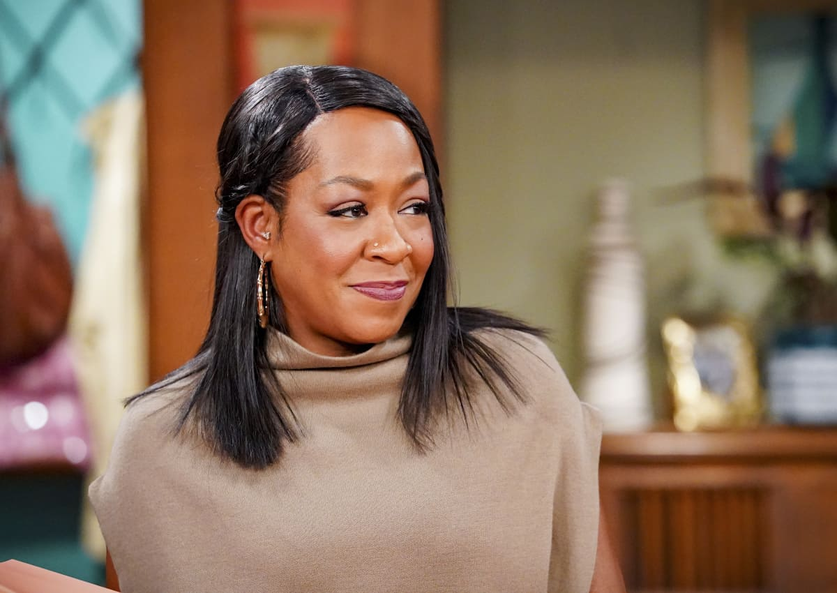"""THE NEIGHBORHOOD Season 4 Episode 4 """"Welcome to the Porch Pirate"""" - Pictured: Tichina Arnold (Tina Butler). When Dave and Gemma face a devastating loss, Calvin and Tina offer emotional support and reflect on a period that tested their own family, on the CBS Original series THE NEIGHBORHOOD, Monday, Oct. 11 (8:00-8:30 PM, ET/PT) on the CBS Television Network, and available to stream live and on demand on Paramount+. Photo: Monty Brinton/CBS ©2021 CBS Broadcasting, Inc. All Rights Reserved."""
