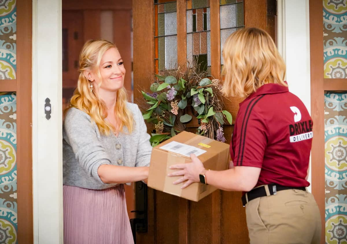 """THE NEIGHBORHOOD Season 4 Episode 4 """"Welcome to the Porch Pirate"""" - Pictured: Beth Behrs (Gemma Johnson). When Dave and Gemma face a devastating loss, Calvin and Tina offer emotional support and reflect on a period that tested their own family, on the CBS Original series THE NEIGHBORHOOD, Monday, Oct. 11 (8:00-8:30 PM, ET/PT) on the CBS Television Network, and available to stream live and on demand on Paramount+. Photo: Monty Brinton/CBS ©2021 CBS Broadcasting, Inc. All Rights Reserved."""