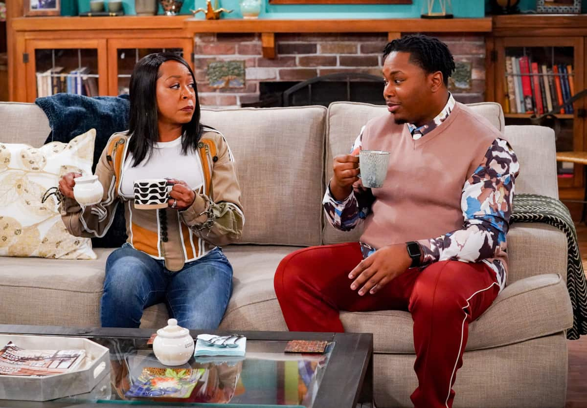 """THE NEIGHBORHOOD Season 4 Episode 4 """"Welcome to the Porch Pirate"""" - Pictured: Tichina Arnold (Tina Butler) and Marcel Spears (Marty Butler). When Dave and Gemma face a devastating loss, Calvin and Tina offer emotional support and reflect on a period that tested their own family, on the CBS Original series THE NEIGHBORHOOD, Monday, Oct. 11 (8:00-8:30 PM, ET/PT) on the CBS Television Network, and available to stream live and on demand on Paramount+. Photo: Monty Brinton/CBS ©2021 CBS Broadcasting, Inc. All Rights Reserved."""