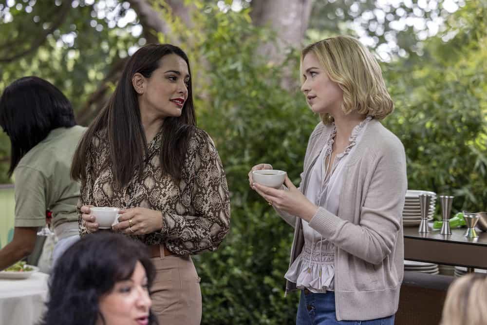 "ORDINARY JOE Season 1 Episode 4 -- ""Shooting Star"" Episode 104 -- Pictured: (l-r) Natalie Martinez as Amy Kindelán, Elizabeth Lail as jenny Banks -- (Photo by: Fernando Decillis/NBC)"