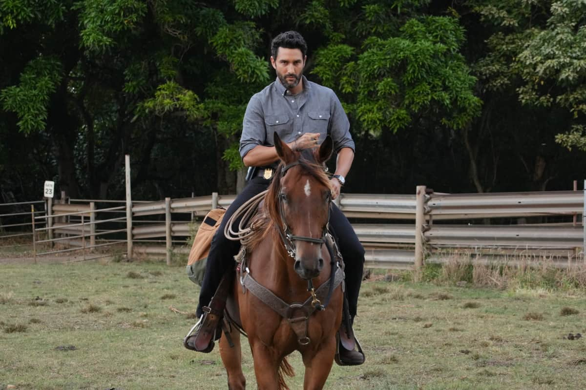 """NCIS HAWAII Season 1 Episode 4 """"Paniolo"""" – When a beloved Paniolo (Hawaiian cowboy) is shot while out riding his horse, Jane and her team must gain the trust of the Paniolo community to help find the culprits and protect the Paniolo's life. Also, Kai tries to convince his stubborn father to see a doctor, on NCIS: HAWAI`I, Monday, Oct. 11 (10:00-11:00 PM, ET/PT) on the CBS Television Network, and available to stream live and on demand on Paramount+. Pictured: Noah Mills as Jesse Boone  Photo: Karen Neal/CBS ©2021 CBS Broadcasting, Inc. All Rights Reserved."""