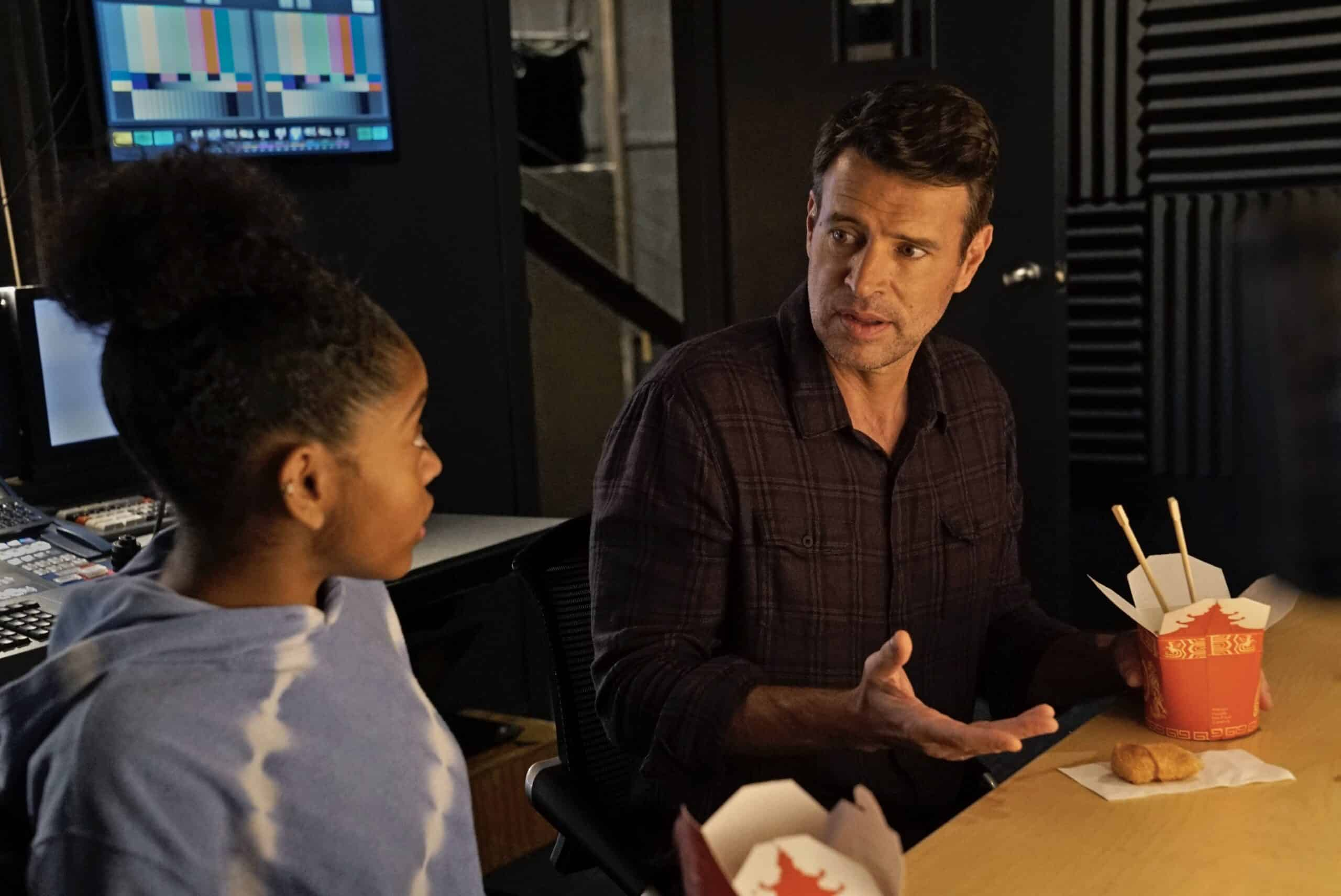 """THE BIG LEAP Season 1 Episode 4: L-R: Guest star Blaire Brown and Scott Foley in the """"Nothing But Money Shots"""" episode of THE BIG LEAP airing Monday, Oct. 11 (9:00-10:00PM ET/PT) on FOX. © 2021 FOX Media LLC. CR: Jean Whiteside/FOX."""