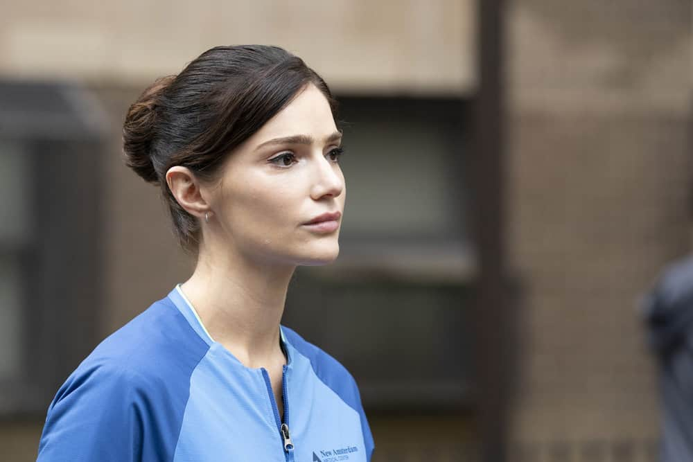 """NEW AMSTERDAM Season 4 Episode 4 -- """"Seed Money"""" Episode 404 -- Pictured: Janet Montgomery as Dr. Lauren Bloom -- (Photo by: Virginia Sherwood/NBC)"""