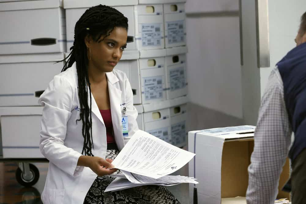 """NEW AMSTERDAM Season 4 Episode 4 -- """"Seed Money"""" Episode 404 -- Pictured: Freema Agyeman as Dr. Helen Sharpe -- (Photo by: Will Hart/NBC)"""