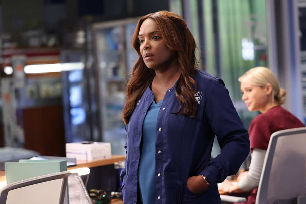 """CHICAGO MED Season 7 Episode 4 -- """"Status Quo, aka The Mess We're In"""" Episode 704 -- Pictured: Marlyne Barrett as Maggie -- (Photo by: George Burns Jr/NBC)"""