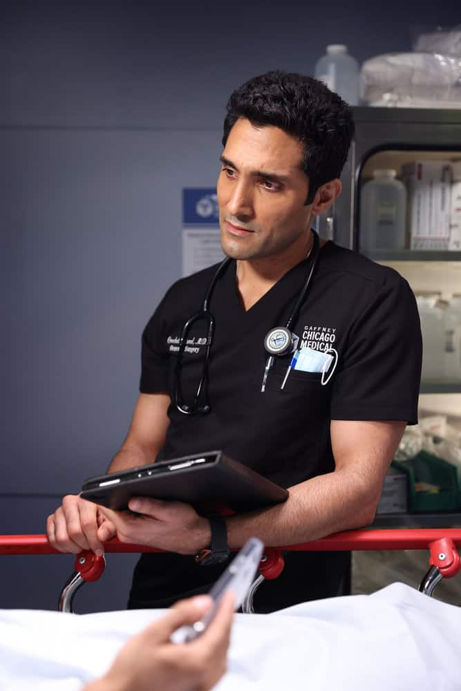 """CHICAGO MED Season 7 Episode 4 -- """"Status Quo, aka The Mess We're In"""" Episode 704 -- Pictured: Dominic Rains as Crockett Marcel -- (Photo by: George Burns Jr/NBC)"""