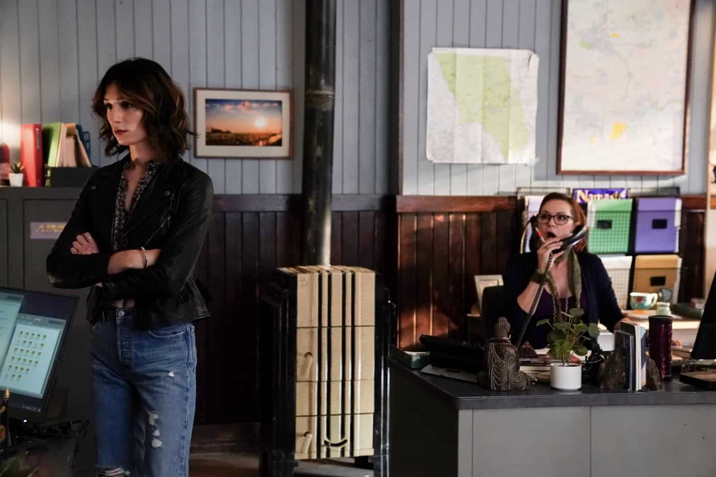 """BIG SKY Season 2 Episode 3 - """"You Have to Play Along"""" – After officially teaming up, Jenny and Cassie sit down with Tubb who reveals that this one goes far beyond their jurisdiction. Realizing Travis may be a man on the inside, Jenny reaches out for intel and learns the cartel is involved. With Tonya still missing, Cassie and Jenny fear the worst and kick their search into high gear. Meanwhile, the kids' plan continues to fall apart, with secrets and scheming threatening to land them in hot water, on an all-new episode of """"Big Sky,"""" THURSDAY, OCT. 14 (10:00-11:01 p.m. EDT), on ABC. (ABC/Michael Moriatis) JESSE JAMES KEITEL, DEDEE PFEIFFER"""