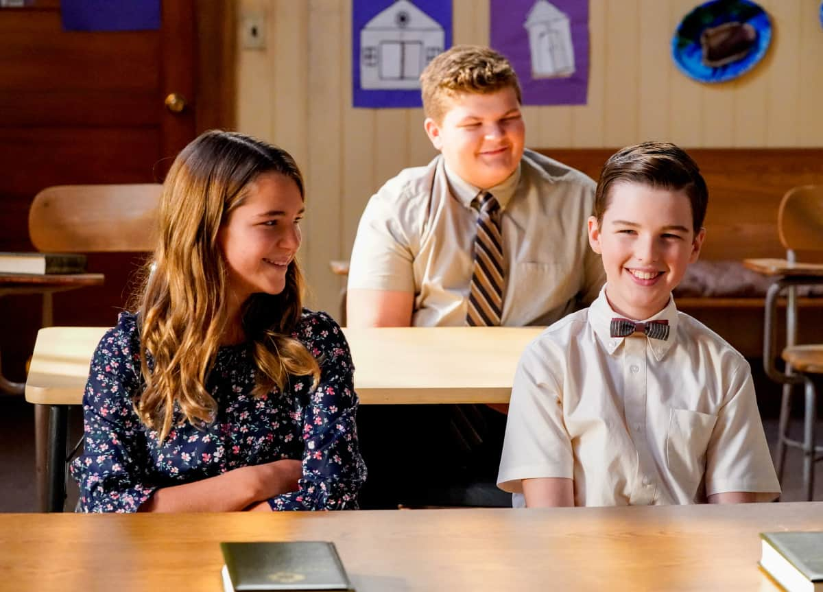 YOUNG SHELDON Season 5 Episode 2 Photos Snoopin' Around And The Wonder Twins Of Atheism